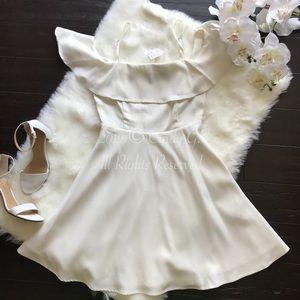 ✨NEW Cream White Off the Shoulder Dress